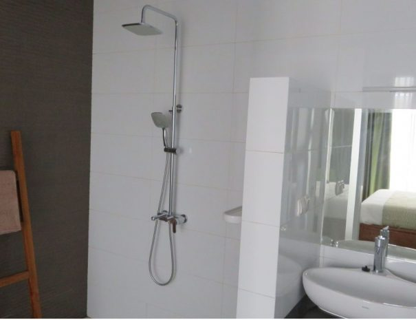 Happinezz Hills bathroom hotel